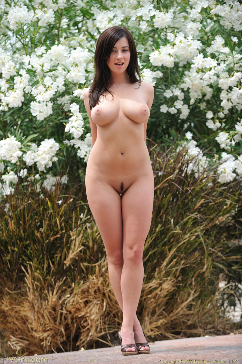 nude posing first Brunette time