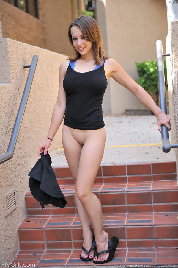 sunny leone nude spreads em