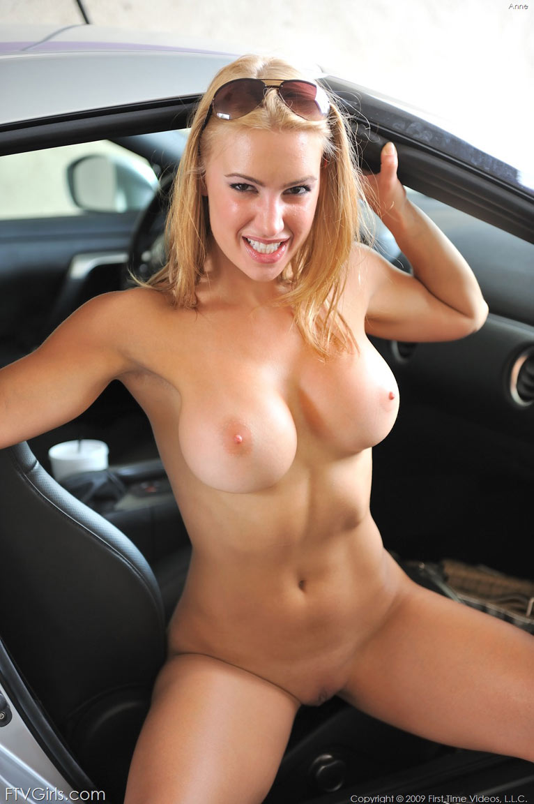 Hot Nude Car Wash Girls